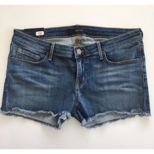 DSTLD Low Rise Cutoff Short Medium Wash Size 30
